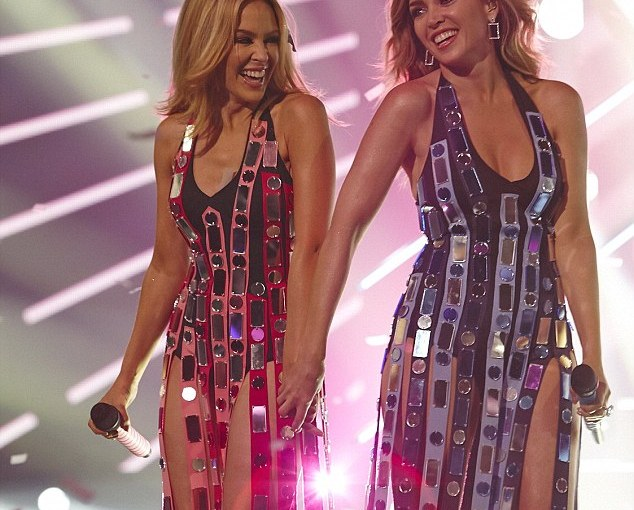 Sister Act! Kylie & Dannii Minogue Perform '100 Degrees' Live on The X FactorAustralia!